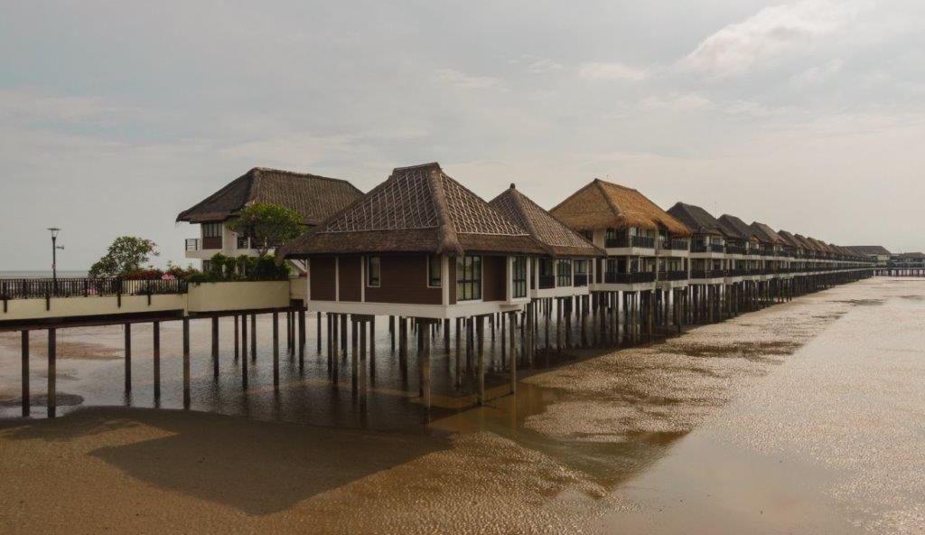 golden palm tree resort avani sepang goldcoast resort review sepang gold coast resort sepang gold coast beach